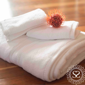 Zero Twist White Towel Set
